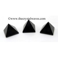 Black Agate 15 - 25 mm pyramid