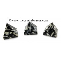 Black & White Tourmaline 23 - 28 mm pyramid