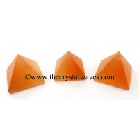 Orange Selenite 23 - 28 mm pyramid