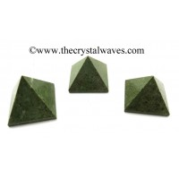 Grass Jasper 23 - 28 mm pyramid